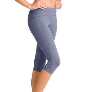 Athleta Be Free Knicker Compression Capris